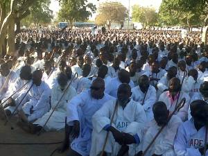 "Thousands members of Apostolic Sect at Mafararikwa Shrine in Marange, commonly referred to as ""Amapostoli"" in Ndebele. Image:relzim.org/ M Chibaya"