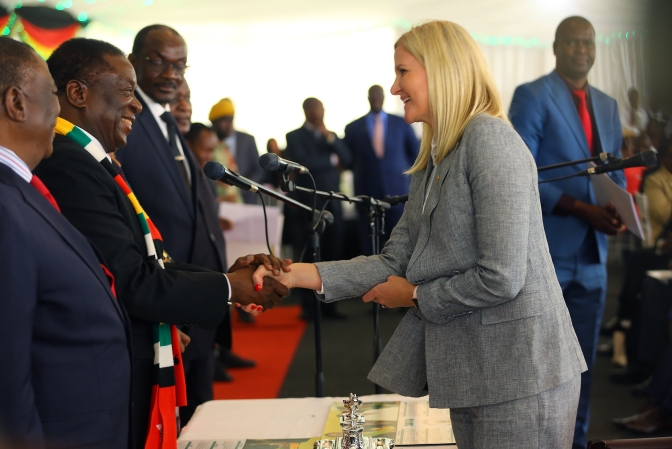 #WednesdayWisdom: Mnangagwa's been wooing Zimbabwe's white sports heroes. Here's why